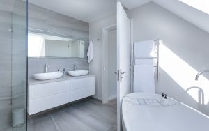 white-bathroom-interior-1454804